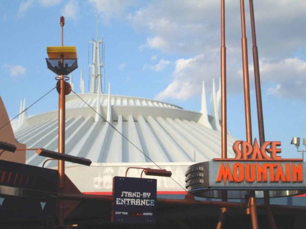 Space_Mountain-1