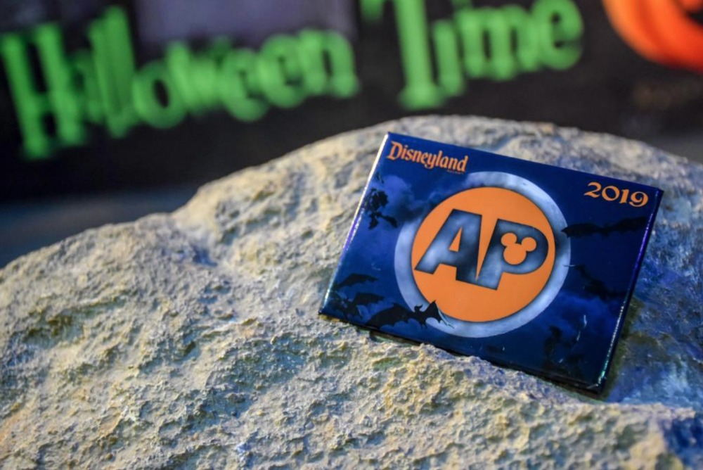 dlr-halloween-time-ap-button