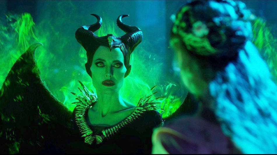maleficent_2_angelina_jolie_1_1557844211.0