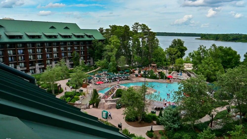 wilderness-lodge-pool
