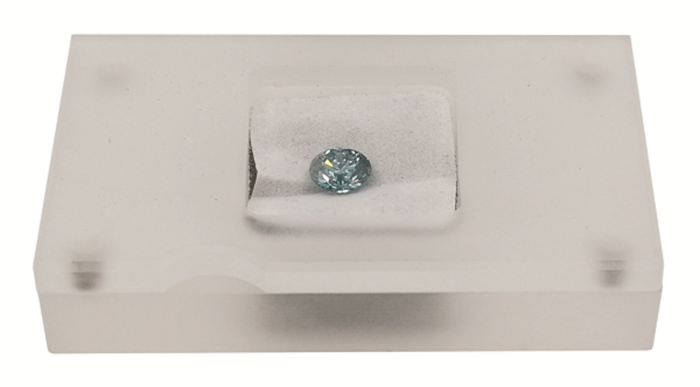 2-Carat-Disney-Diamond-4