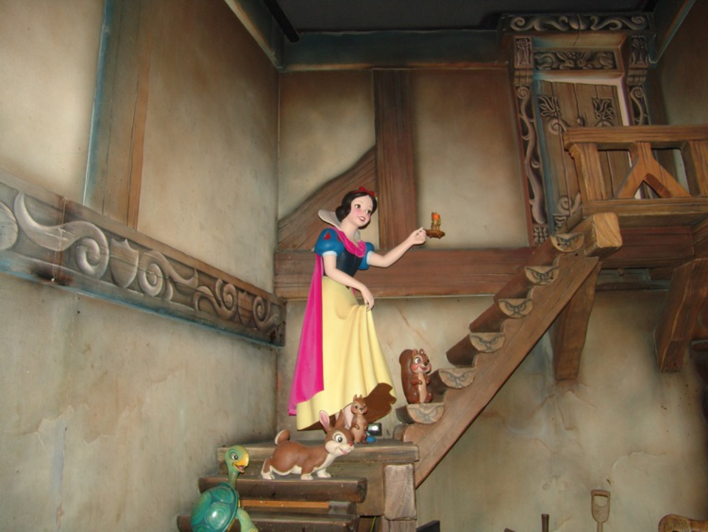 Fantasyland-Disneyland-31
