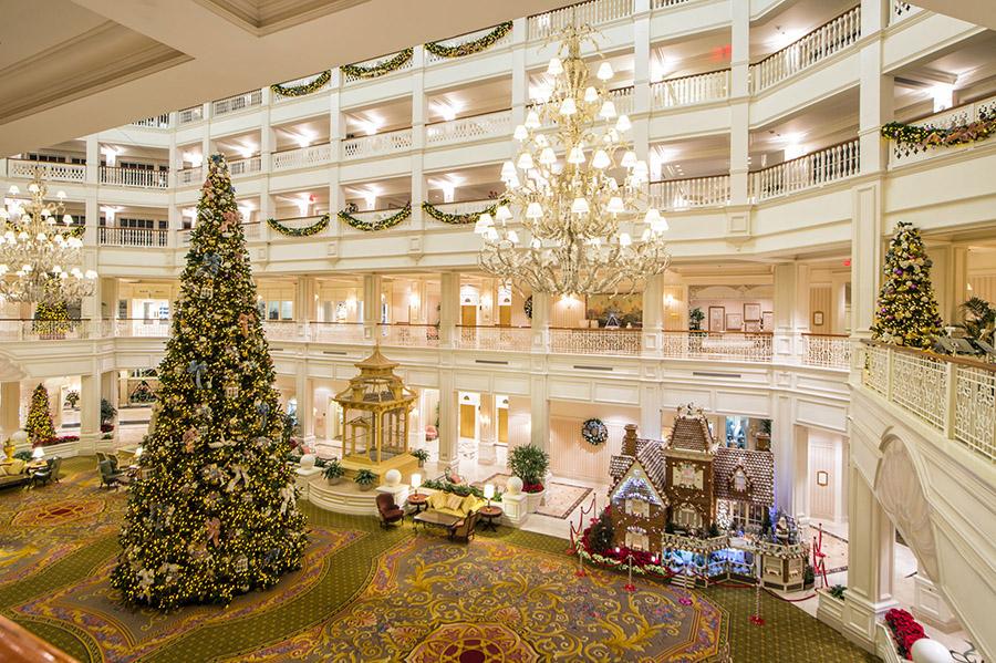 grand-floridian-lobby-christmas