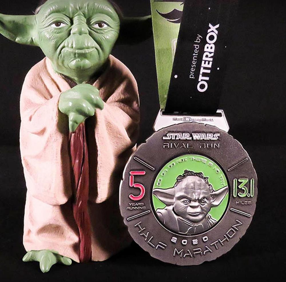 2020-rival-runDisney-half-marathon-medal