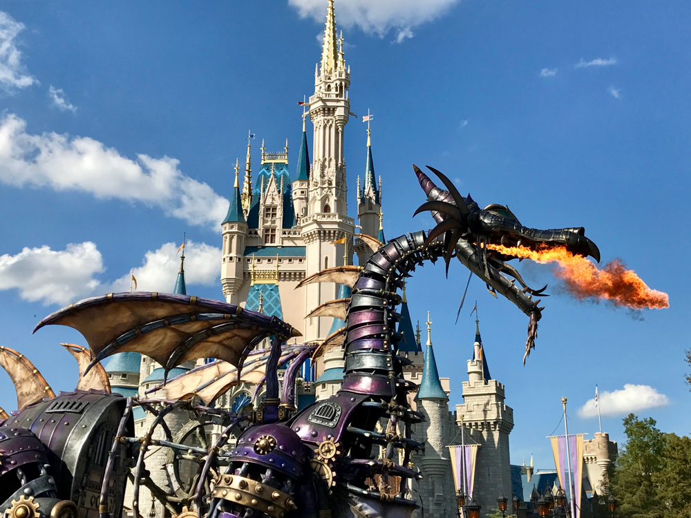 This photo was taken by me in front of the castle just a few weeks before the dragon stopped operated for a brief period