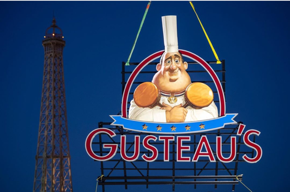 gusteaus-sign-france-epcot-01