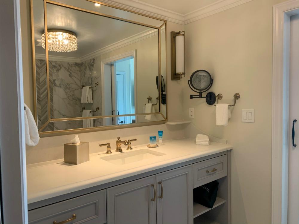 riviera-bathtub-area-sink