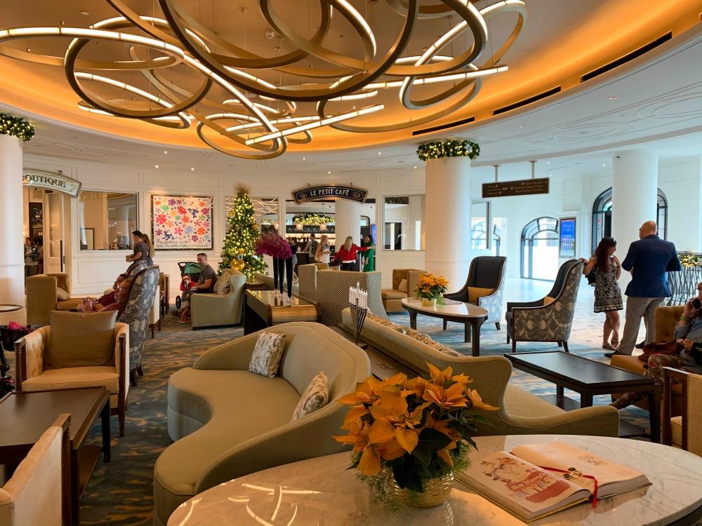 riviera-lobby-seating