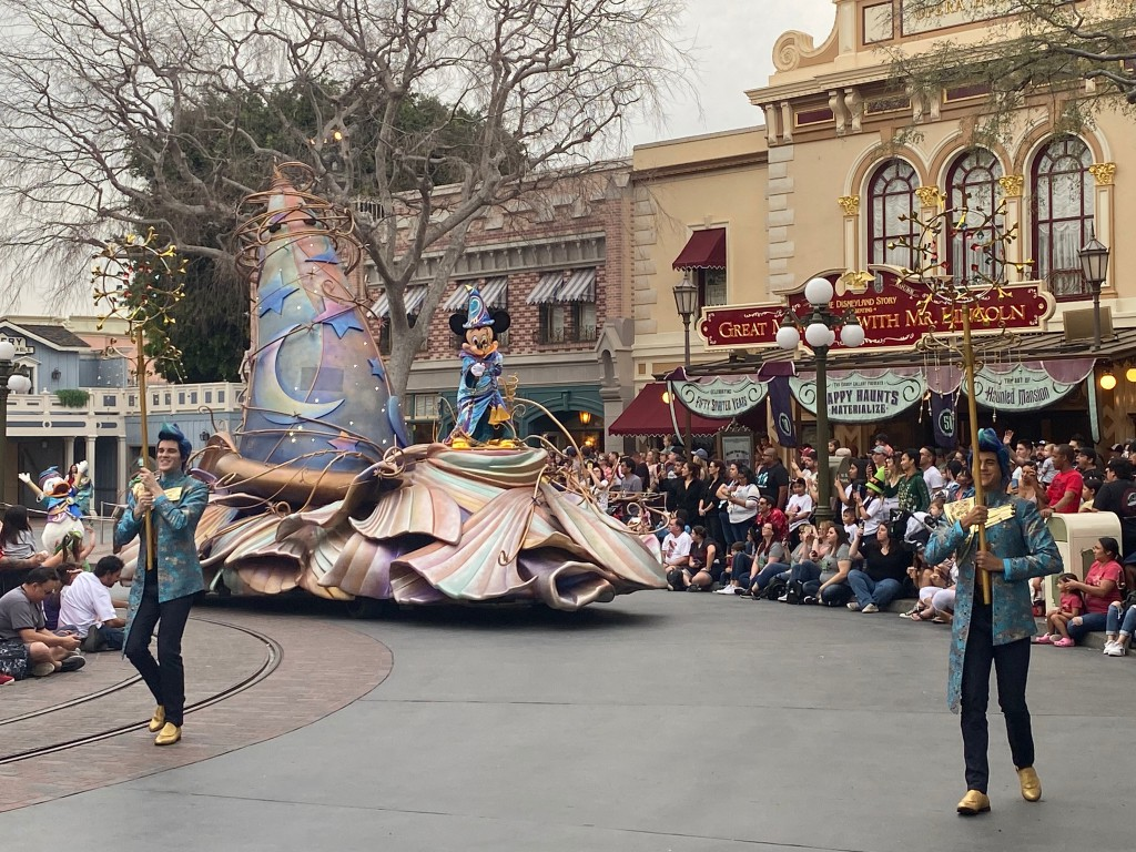 MagicHappens-Mickey-003