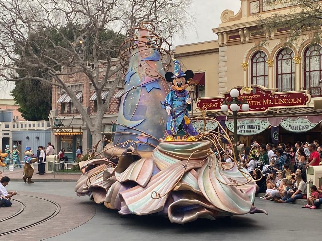 MagicHappens-Mickey-004