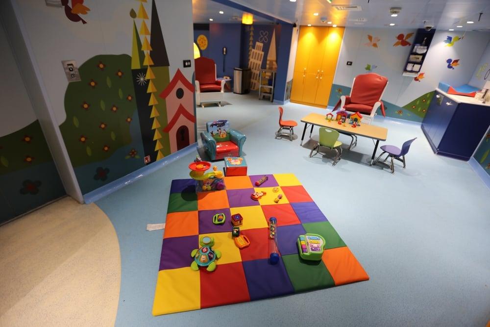 its-a-small-world-nursery-003
