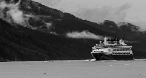 Cruise Ships Carrying Over 100 Passengers Banned in Canadian Waters Until Oct 31