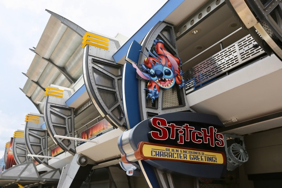Stitch's Alien Encounter Character Greeting in Tomorrowland