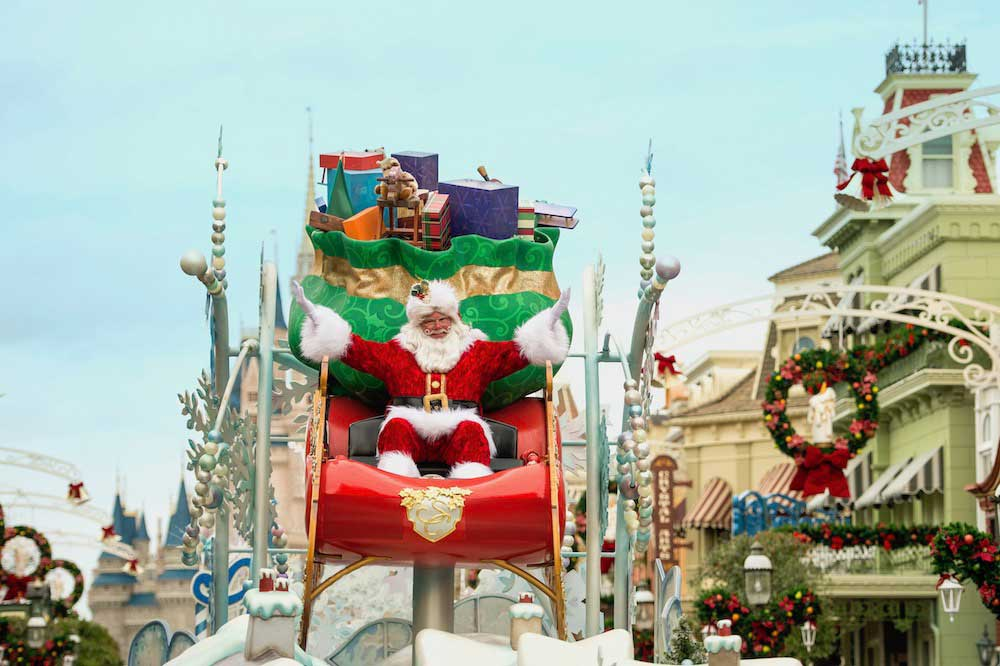 Disneyworld Christmas Vacation 2020 Walt Disney World Announces Socially Distanced Festivities for the