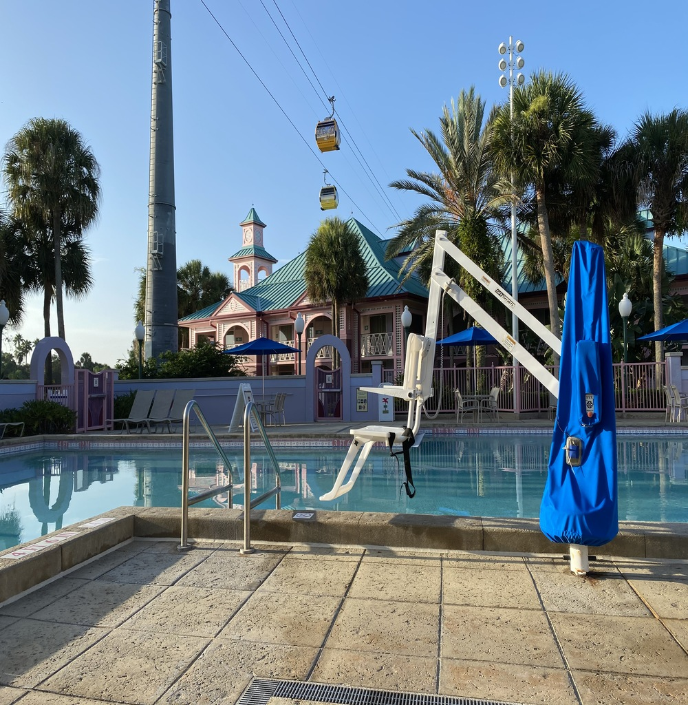 Resort pool with lift