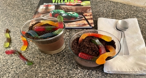 Saturday Snacks {Halloween Edition}: Let's Make Hades' Bowl of Worms Pudding!